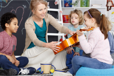 A Few Ways to Introduce Your Children to Music